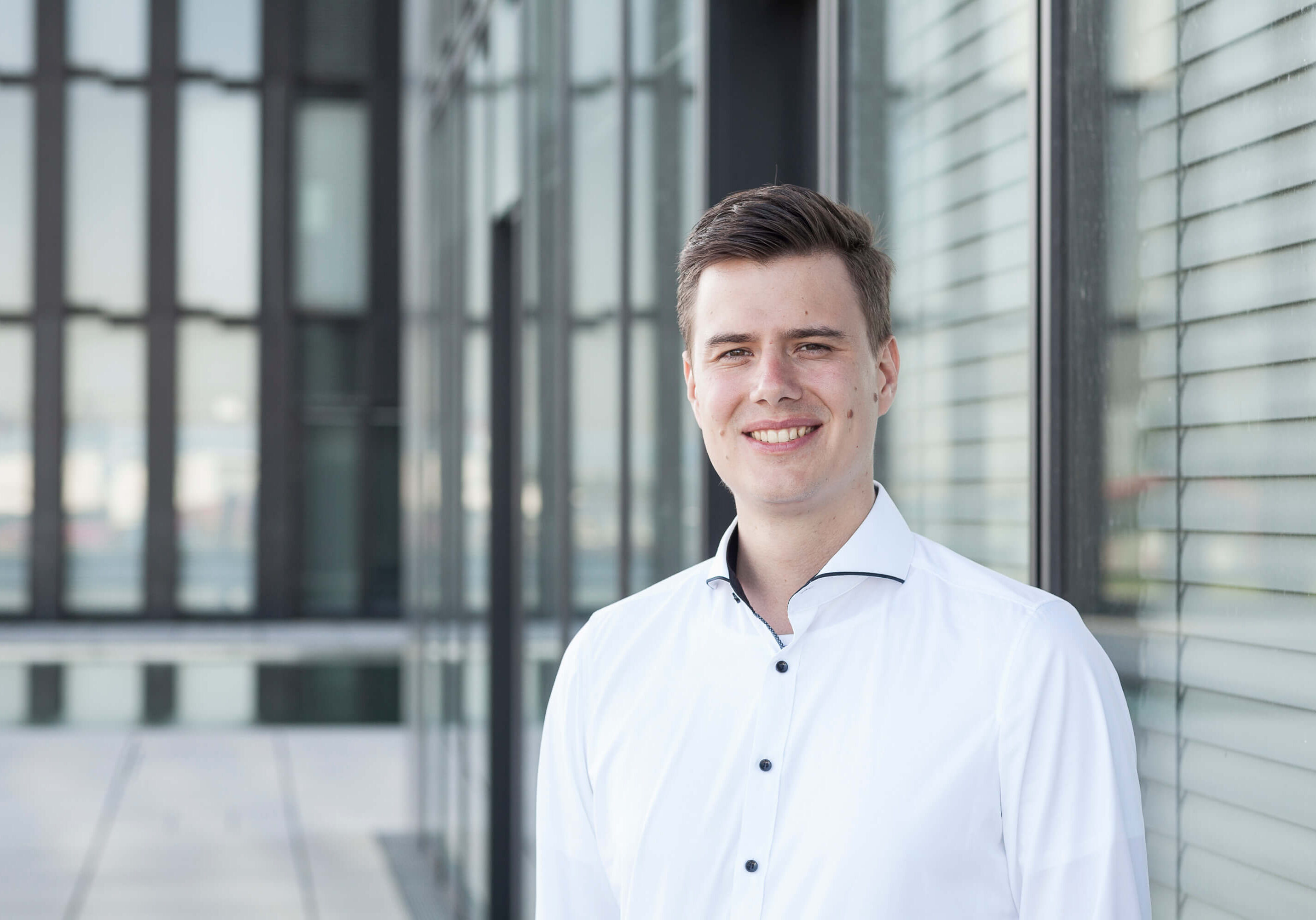 IOX IoT App Entwicklung Ansprechpartner Andreas Bell