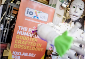 Open-Source Roboter Bob stellt sich vor